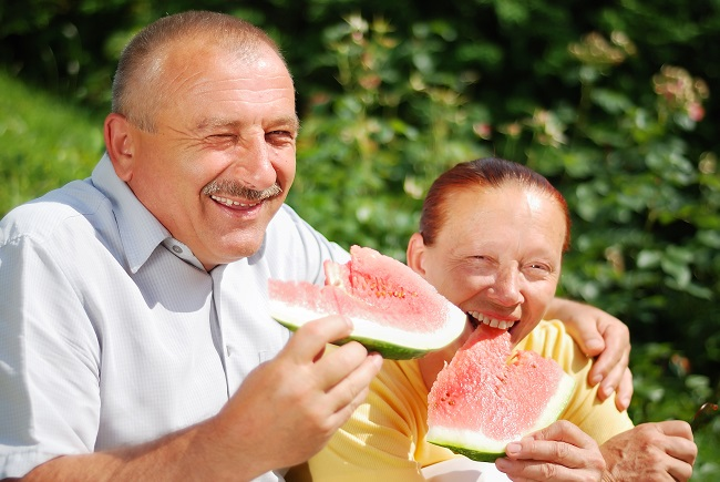 Foods That Help Keep a Person with Alzheimer's Disease Hydrated